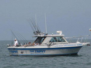 Charter Fishing - 02boat02.jpg